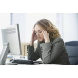 Умираем, но не сдаемся: почему офисные сотрудники предпочитают болеть на рабочем месте